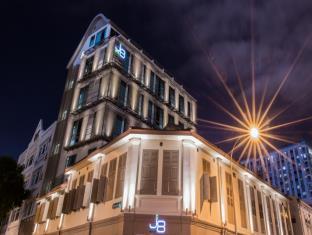 J8 ホテル